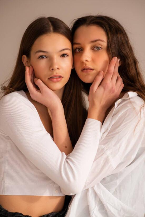 Our fabulous Vicky @vikamerchuk & Mia @rymarchuksolomiia by @anastasiadvoretska